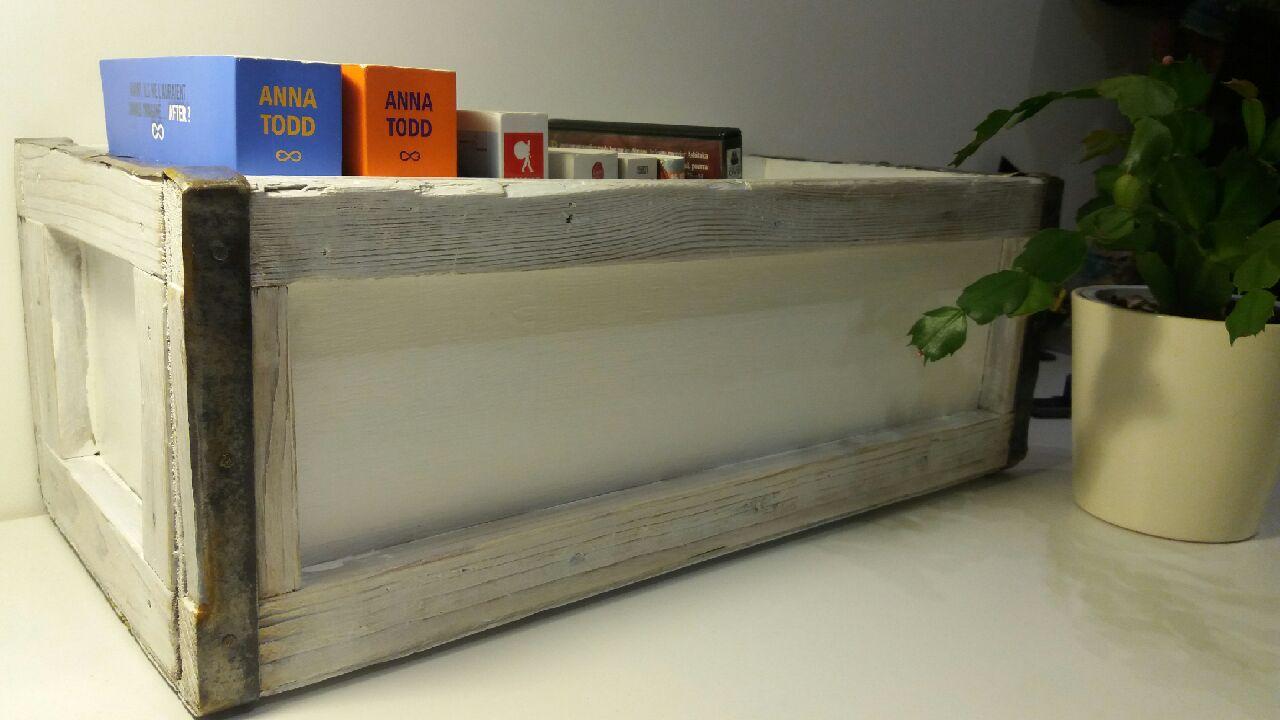Retaper Une Vieille Caisse En Bois comment rénover une vielle caisse en bois - crayons & pinceaux