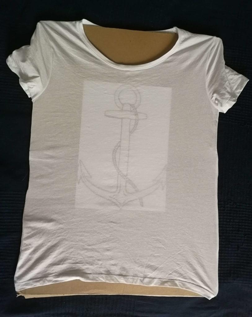 dessiner facilement sur un tee-shirt
