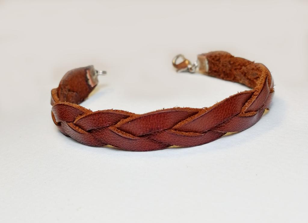 faire bracelet cuir tressé