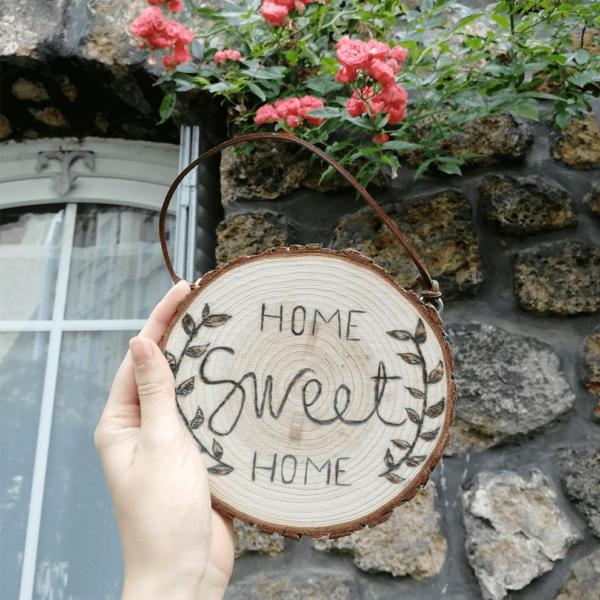 rondin gravé et peint home sweet home